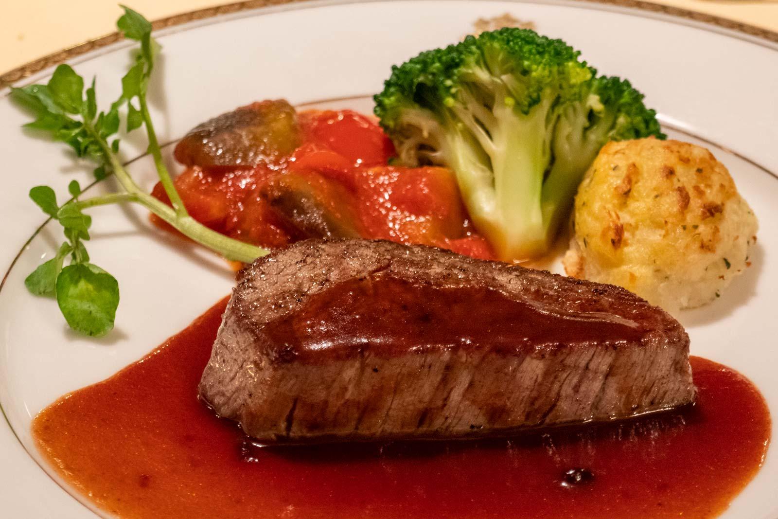 Tochigi-beef-at-the-Kanaya-Hotel-Nikko