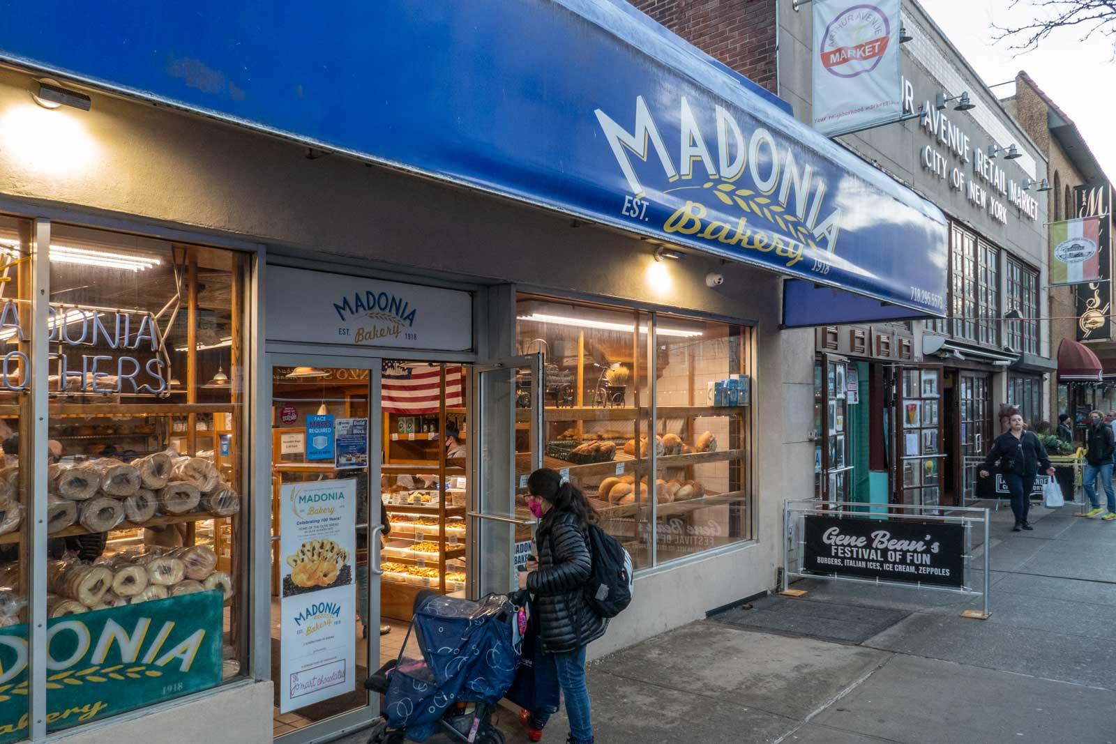 Madonia Bakery Arthur Ave Bronx Little Italy
